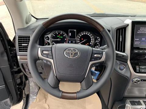2019款丰田酷路泽5700VXS,喜欢丰田酷路泽5700VXS的有眼福了