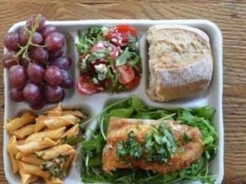 各国大学食堂饭菜大比拼,看完别的国家膳食搭配,还是中国的营养