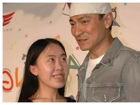 42岁杨丽娟近照曝光,曾为追刘德华致父自杀,如今生活凄惨