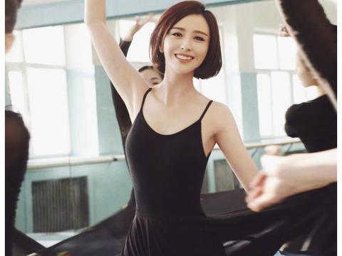 """佟丽娅身材有多辣?看她穿""""杜蕾液体裙""""跳舞,终于理解陈思诚了"""