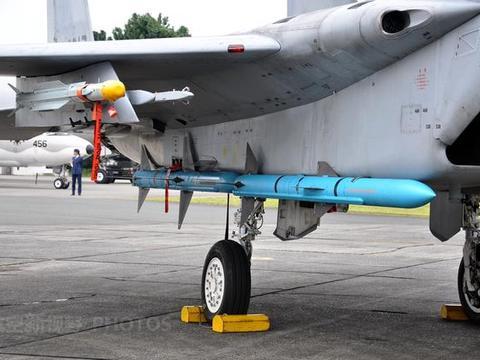 自卫队F15J经常掉零件,是否不堪一击?多年磨剑隐藏实力