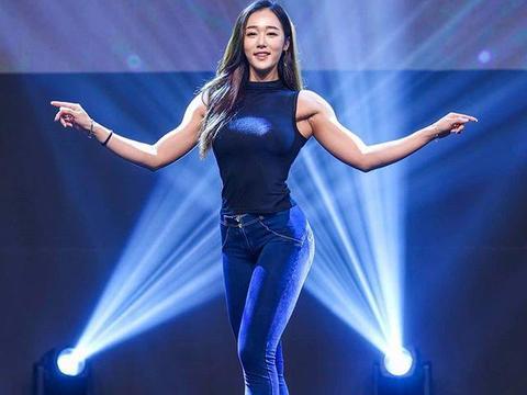韩国姑娘痴迷健身每天三练,3年增肌9公斤,网友:比很多男生强