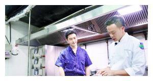 《中餐厅3》穿帮,林大厨做饭过程很精彩,却不知糖醋里脊关键