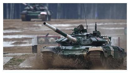 中国96B遇见对手了,俄军坦克时速可达84千米,这是一个信号