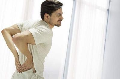 患痛风性关节炎的年轻人越来越多,医生:尿酸高于一个值尽早治疗