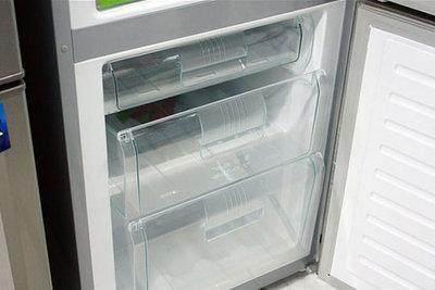 在冰箱里面放一个小东西,冰箱永不结冰,每个月都能省一半电费