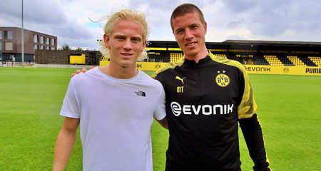 官方:多特蒙德与冰岛19岁中场签约至2022年