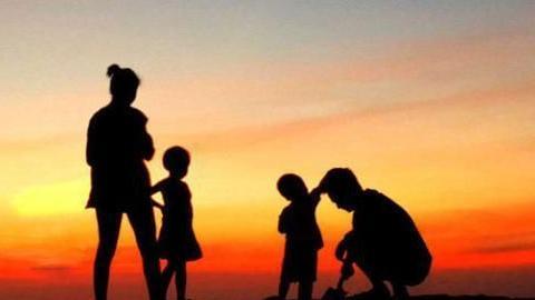 我国人口出生率下降的根本原因是什么?