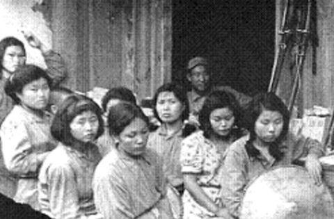 慰安妇被日本人侵犯后,想要结婚都只能找老光棍