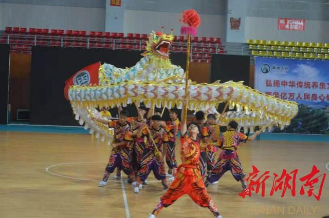 浏阳四中龙狮队夺冠中国中学生舞龙舞狮锦标