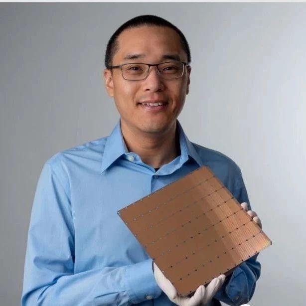史上最大AI芯片诞生:462平方厘米、40万核心、1.2万亿晶体管,创下4项世界纪录
