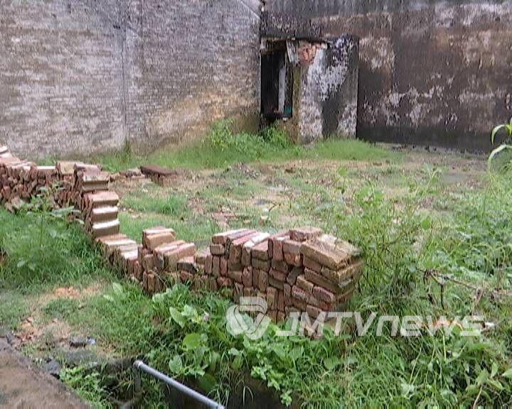 因60年前的宅基地起纠纷 蓬江一村民家里被亲戚打砸