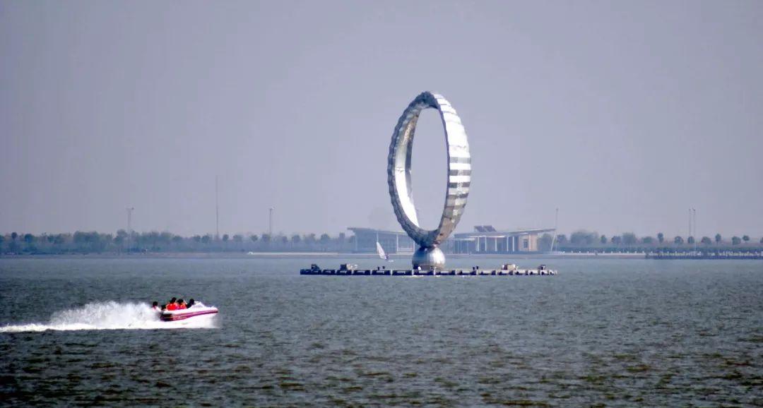 上海临港新片区魅力何在?首批获营业执照企业这样说