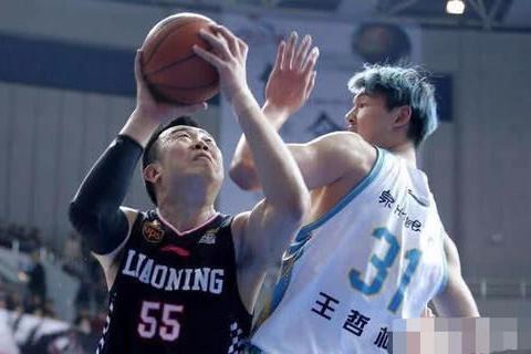 辽宁男篮一系列热身赛,为何韩德君都没有出战?是伤势没有恢复?