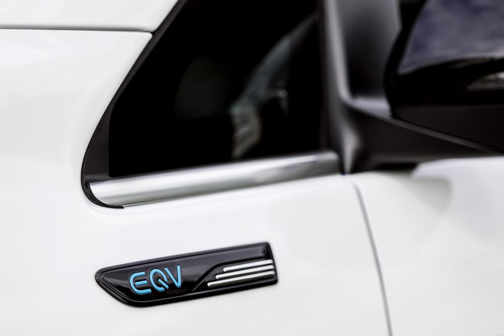 奔驰EQV官图正式发布 续航里程可达405km