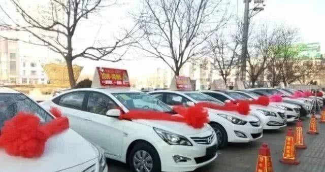 为什么合资车越卖越便宜, 国产车却越卖越贵? 吉利李书福道出真相