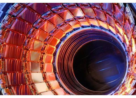 粒子对撞机帮助人类为深空辐射做准备!