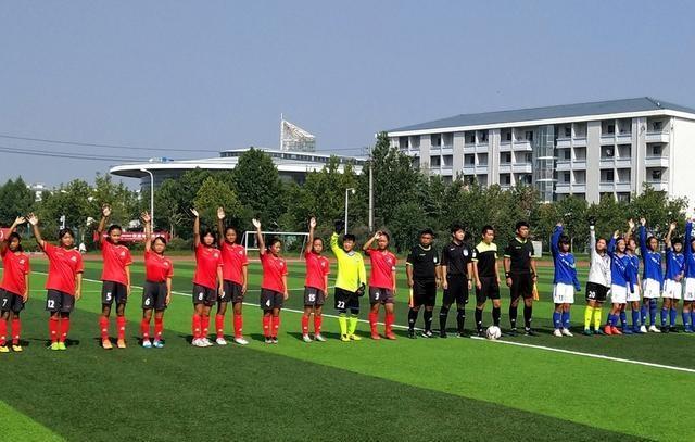 塔沟武校少林足球队在河南省足球锦标赛中斩获两枚银牌