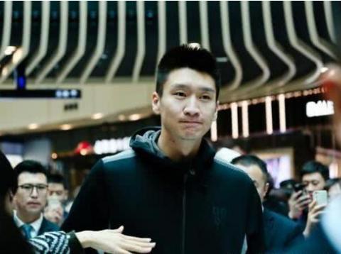 孙悦正式现身北控队训练场 700万先生再次联手马布里?