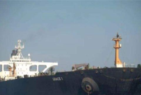 伊朗油轮欲强行回国,美下达通缉令,战争一触即发
