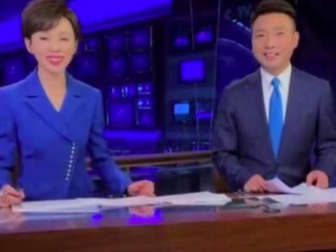 康辉自曝听《新闻联播》片头曲就紧张,身旁欧阳夏丹超活泼