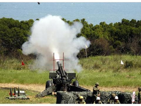 火炮发展了几百年,为啥还得用绳子拉?