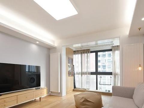 花10万改造90平二居室旧房,日式风格太漂亮,邻居以为走错门了