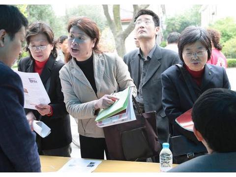 武汉院校专科批次文理类征集志愿录取线大幅上涨,大量学生将掉档