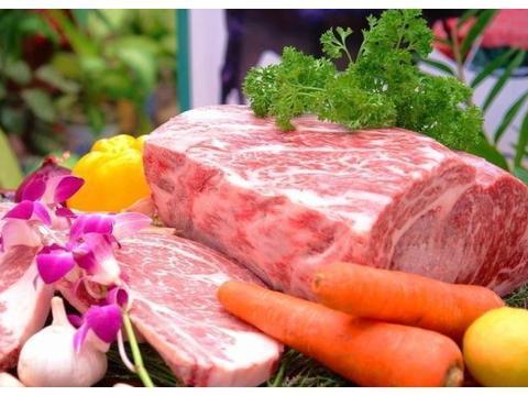 猪肉猛涨,排骨都快到80元一斤了,你知道物价上涨的根本原因吗?