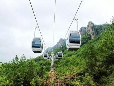 岳阳这个景区近期不要花费就能玩,不仅有玻璃桥,还能玩攀岩