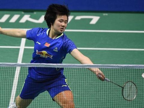 何冰娇艰难击败日本女将晋级 中国新秀遭淘汰 国羽男单仅剩一独苗