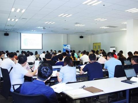 武昌海关开展普法培训赢得跨国企业好评
