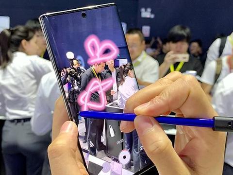 三星推出首款国行版5G手机 联合微信首次系统级合作