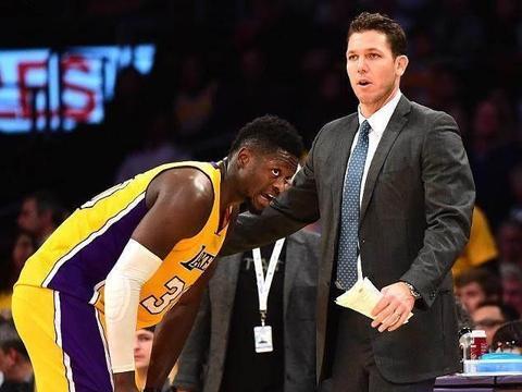 NBA教练打球水平如何?里弗斯场均12+10,小沃顿2个冠军