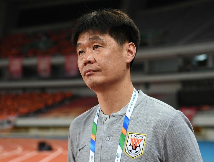 上海上港0-2鲁能!专家:鲁能赢在李霄鹏,黄健翔感言意味深长