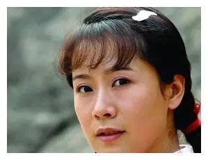 42岁媳妇专业户海清,低调嫁给高中同学,如今一家三口很幸福