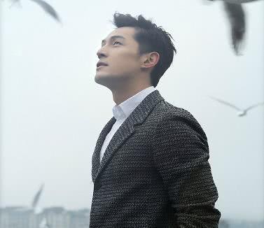 本以为赵今麦男神够帅了,当得知蒋依依男神,网友:谁能不爱呢?