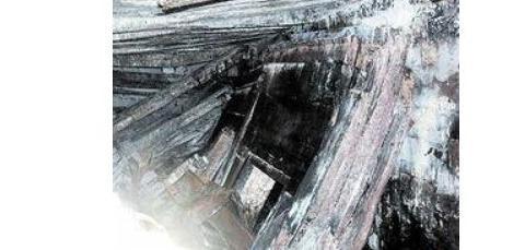 秦始皇的祖坟被盗了,价值上亿文物被麻皮袋装着,扔在盗贼床底下