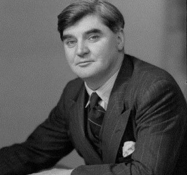 伊士运河危机期间,英国各阶层都出现分歧,最终首相艾登被抛弃