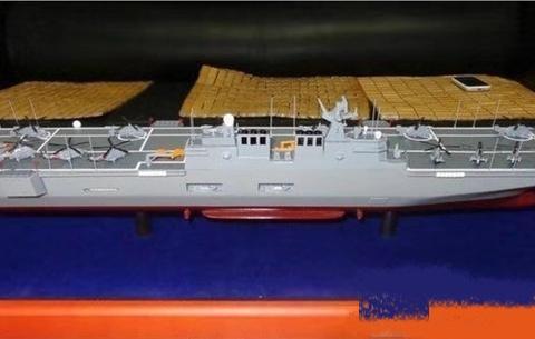 往返两次运送一个集团军!外形酷似航母巨舰新动态,排水量排第三