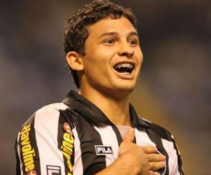 你知道吗?新晋国脚艾克森,其实入选过巴西国家队和巴西国奥队