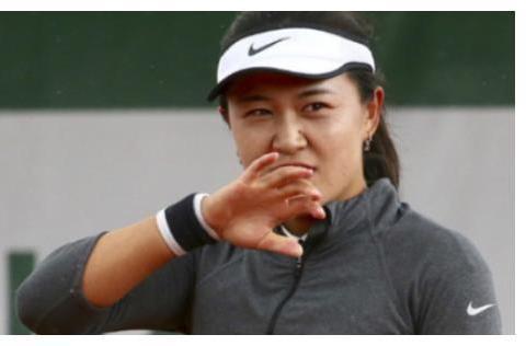 中国金花剩1人!朱琳伤退无缘8强 张帅澳网女双冠军组合遭爆冷
