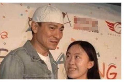 父亲为她卖房卖肾自杀,追星狂人杨丽娟见过刘德华之后怎么样了