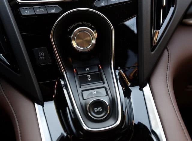 最不该被埋没豪华SUV,30万全系2.0T+10AT,超强全时四驱比X3更猛