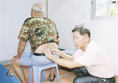 退休医生张龙金:义务呵护群众健康