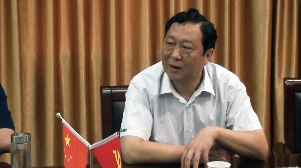 安徽阜阳原经信委主任岳华刚被查 去年刚退休