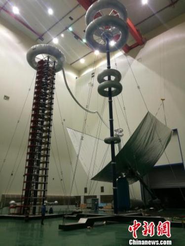 青海完成世界首次±800千伏特高压空气间隙放电试验
