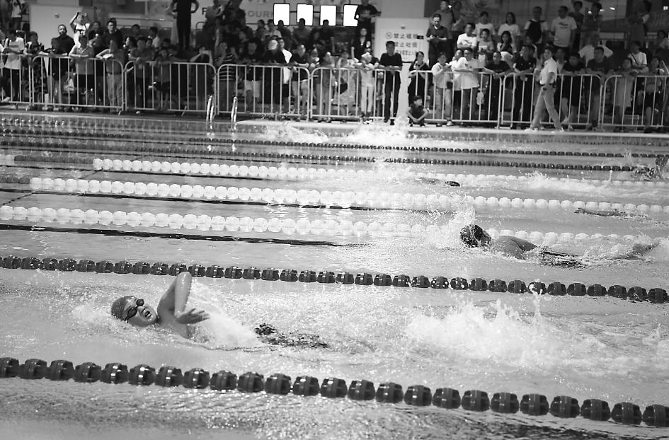 安徽省青少年游泳锦标赛举行 15个市767名青少年参加