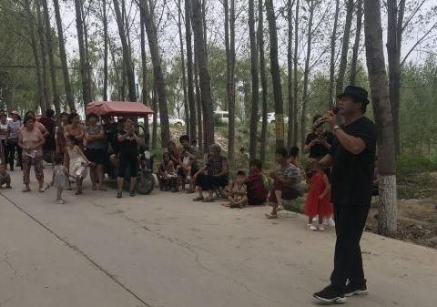 鹤壁张贵堂:自购点歌机等设备丰富村民文化生活