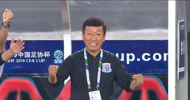 """一个月后申花再升级,崔康熙要进行""""魔鬼训练""""?两外援放假加练"""